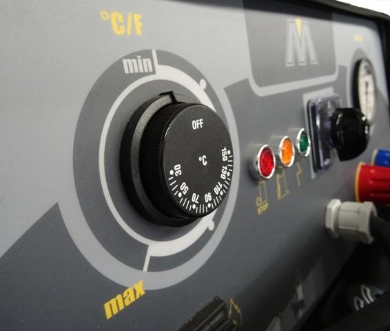 Mac Avant XL control panel